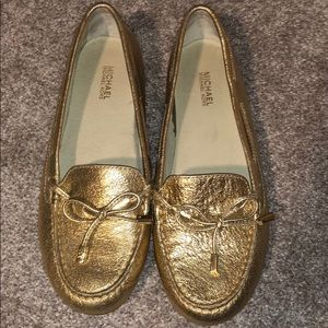 MK Sutton Metallic Leather Moc Bow Detail Loafers